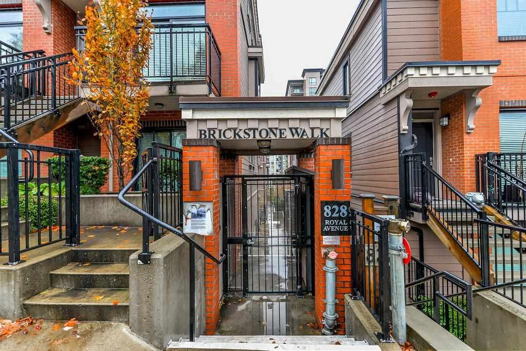 "Main Photo: 206 828 ROYAL Avenue in New Westminster: Downtown NW Townhouse for sale in ""BRICKSTONE WALK"" : MLS®# R2222014"