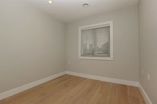 Photo 13: 233 W 19TH Street in North Vancouver: Central Lonsdale 1/2 Duplex for sale : MLS®# R2202782