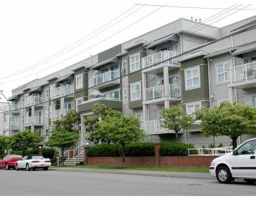 "Main Photo: 207 55 BLACKBERRY DR in New Westminster: Fraserview NW Condo for sale in ""QUEENS PARK PLACE"" : MLS®# V540996"