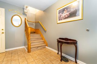 """Photo 4: 32870 3RD Avenue in Mission: Mission BC House for sale in """"WEST COAST EXPRESS EASY ACCESS"""" : MLS®# R2595681"""