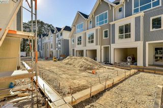 Photo 4: 4 1032 Cloverdale Ave in VICTORIA: SE Quadra Row/Townhouse for sale (Saanich East)  : MLS®# 790560