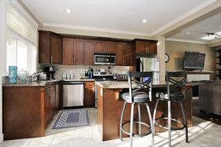 """Photo 8: 17 5623 TESKEY Way in Chilliwack: Promontory Townhouse for sale in """"Wisteria Heights"""" (Sardis)  : MLS®# R2531032"""