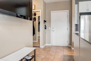 Photo 5: 303 4108 Stanley Road SW in Calgary: Parkhill Apartment for sale : MLS®# A1117169