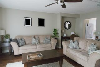"""Photo 2: 117 13718 67 Avenue in Surrey: East Newton Townhouse for sale in """"HYLAND CREEK ESTATES"""" : MLS®# R2124099"""