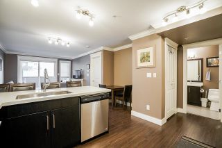 """Photo 11: 203 2268 SHAUGHNESSY Street in Port Coquitlam: Central Pt Coquitlam Condo for sale in """"Uptown Pointe"""" : MLS®# R2514157"""