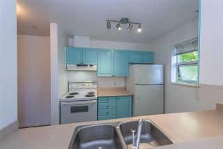 """Photo 8: 209 5577 SMITH Avenue in Burnaby: Central Park BS Condo for sale in """"COTTONWOOD GROVE"""" (Burnaby South)  : MLS®# R2495074"""