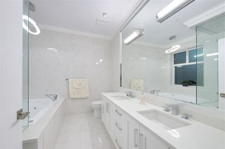 Photo 22: 5886 SHERBROOKE Street in Vancouver: Knight House for sale (Vancouver East)  : MLS®# R2490210