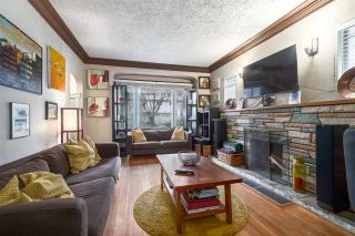"""Photo 4: 2063 NAPIER Street in Vancouver: Grandview VE House for sale in """"Commercial Drive"""" (Vancouver East)  : MLS®# R2124487"""