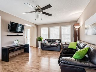 Photo 5: 25 Martha's Haven Manor NE in Calgary: Martindale Detached for sale : MLS®# A1101906