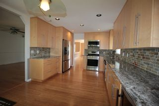 """Photo 4: 22329 47 Avenue in Langley: Murrayville House for sale in """"Murrayville"""" : MLS®# R2201488"""