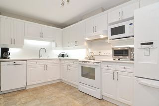 """Photo 10: 205 5556 201A Street in Langley: Langley City Condo for sale in """"Michaud Gardens"""" : MLS®# R2523718"""