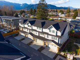 Photo 2: 11 45455 SPADINA Avenue in Chilliwack: Chilliwack W Young-Well Townhouse for sale : MLS®# R2562428