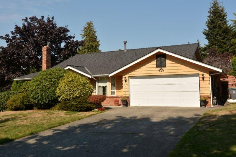 """Main Photo: 12743 21A Avenue in Surrey: Crescent Bch Ocean Pk. House for sale in """"Ocean Park"""" (South Surrey White Rock)  : MLS®# F1422569"""