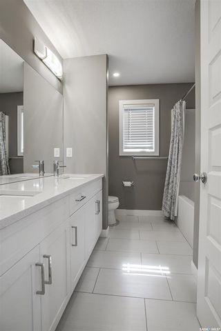 Photo 11: 518 Dagnone Crescent in Saskatoon: Brighton Residential for sale : MLS®# SK867635