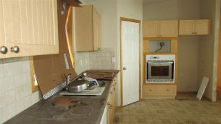 """Photo 4: 13389 DONIS Road: Charlie Lake Manufactured Home for sale in """"CHARLIE LAKE"""" (Fort St. John (Zone 60))  : MLS®# R2441344"""