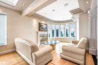 Photo 3: 2195 HARRISON Drive in Vancouver: Fraserview VE House for sale (Vancouver East)  : MLS®# R2610664