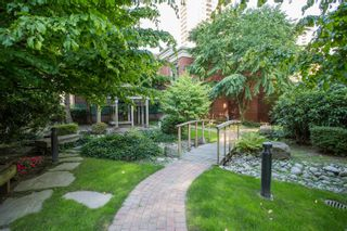 """Photo 15: 1210 939 HOMER Street in Vancouver: Yaletown Condo for sale in """"THE PINNACLE"""" (Vancouver West)  : MLS®# R2461082"""
