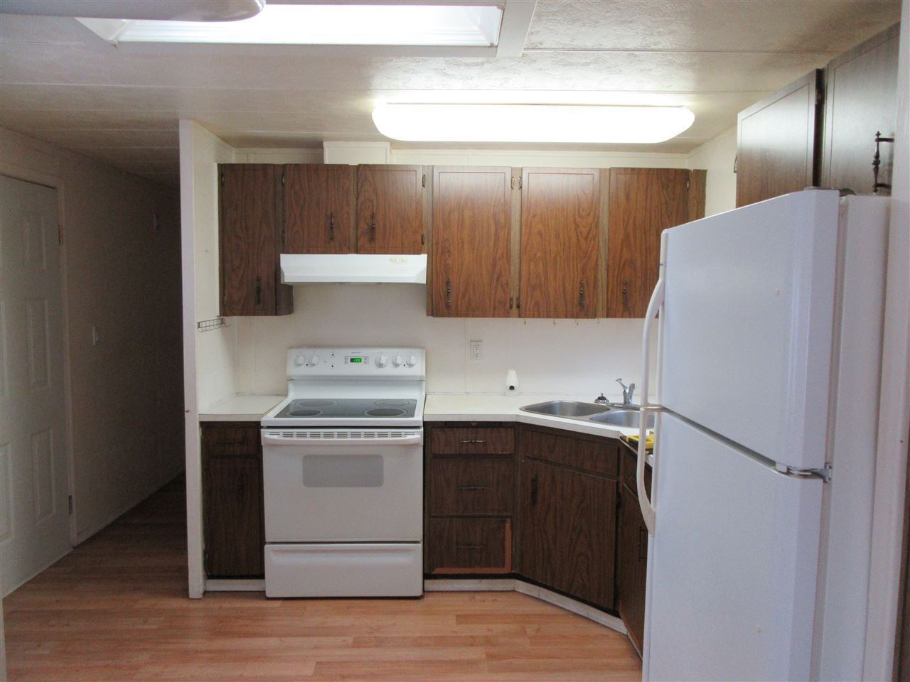 Main Photo: 3 4200 DEWDNEY TRUNK Road in Coquitlam: Ranch Park Manufactured Home for sale : MLS®# R2030232
