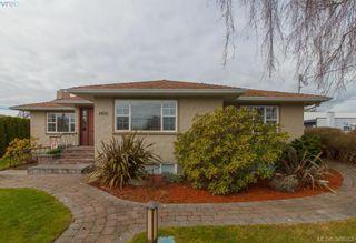 Photo 1: 2438 Dunlevy St in VICTORIA: OB Estevan House for sale (Oak Bay)  : MLS®# 780802