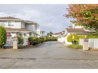 "Photo 1: 105 9177 154 Street in Surrey: Fleetwood Tynehead Townhouse for sale in ""CHANTILLY LANE"" : MLS®# R2508811"