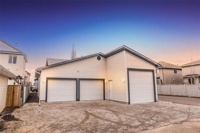 FEATURED LISTING: 120 LUXSTONE Crescent Southwest Airdrie