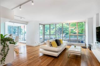 """Photo 3: 301 930 CAMBIE Street in Vancouver: Yaletown Condo for sale in """"PACIFIC PLACE LANDMARK II"""" (Vancouver West)  : MLS®# R2592533"""
