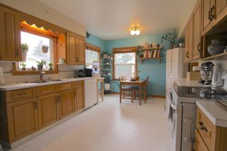 Photo 8: 520 29 Avenue NW in Calgary: Mount Pleasant Detached for sale : MLS®# A1134159