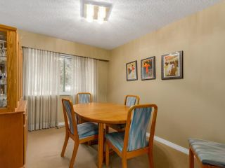 Photo 4: 691 COLINET Street in Coquitlam: Central Coquitlam House for sale : MLS®# R2104766