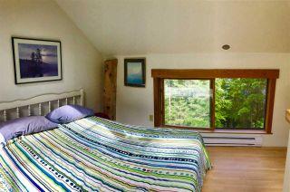 "Photo 13: 106 DARK HORSE Road: Saturna Island House for sale in ""David Elford Holdings Co"" (Islands-Van. & Gulf)  : MLS®# R2407736"