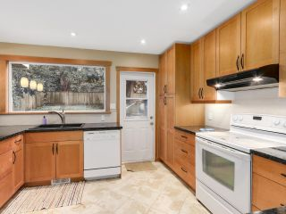 Photo 8: 1920 Ridgeway Avenue in North Vancouver: Central Lonsdale House  : MLS®# R2147491