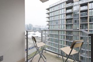 """Photo 5: 805 1833 CROWE Street in Vancouver: False Creek Condo for sale in """"THE FOUNDRY"""" (Vancouver West)  : MLS®# R2120097"""