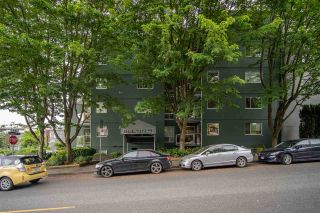 """Photo 27: 301 1510 W 1ST Avenue in Vancouver: False Creek Condo for sale in """"Mariner Walk"""" (Vancouver West)  : MLS®# R2589814"""