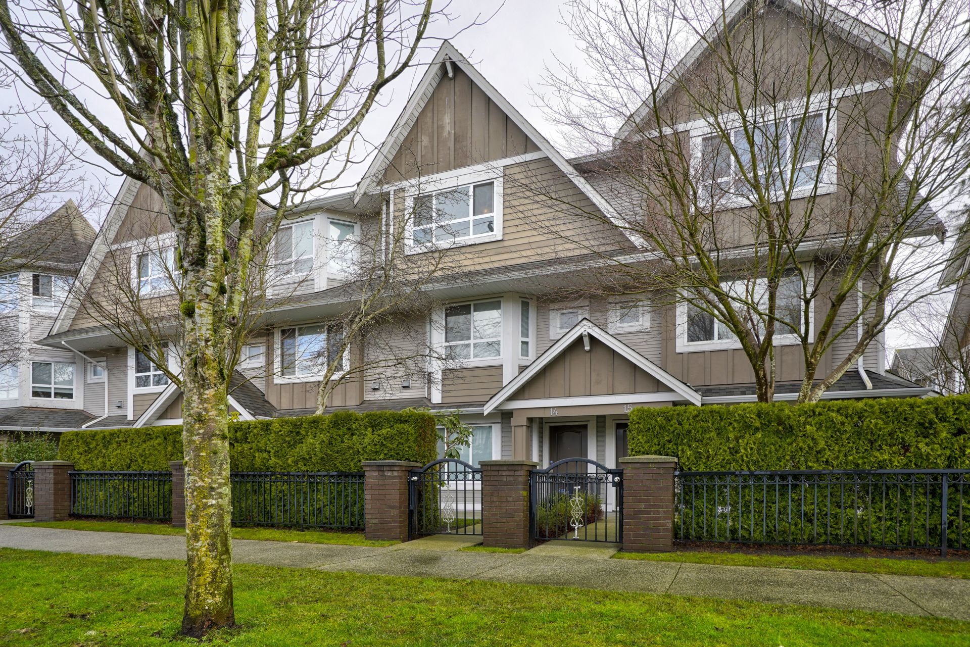 """Main Photo: 14 9288 KEEFER Avenue in Richmond: McLennan North Townhouse for sale in """"ASTORIA"""" : MLS®# R2431724"""