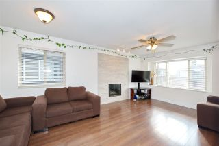 Photo 11: 795 E 52ND Avenue in Vancouver: South Vancouver House for sale (Vancouver East)  : MLS®# R2411120