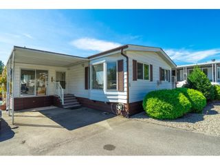"""Photo 5: 1 27111 0 Avenue in Langley: Aldergrove Langley Manufactured Home for sale in """"Pioneer Park"""" : MLS®# R2605762"""