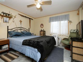 Photo 11: 21 1581 Middle Rd in VICTORIA: VR Glentana Manufactured Home for sale (View Royal)  : MLS®# 799550