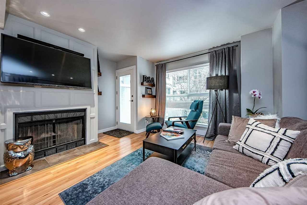 """Main Photo: 9 877 W 7TH Avenue in Vancouver: Fairview VW Townhouse for sale in """"EMERALD COURT"""" (Vancouver West)  : MLS®# R2341517"""