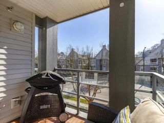 "Photo 17: 302 3161 W 4TH Avenue in Vancouver: Kitsilano Condo for sale in ""Bridgewater"" (Vancouver West)  : MLS®# R2443510"