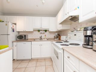 """Photo 5: 106 14885 100 Avenue in Surrey: Guildford Condo for sale in """"THE DORCHESTER"""" (North Surrey)  : MLS®# R2088062"""