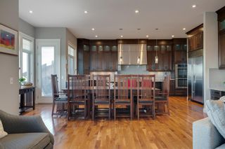 Photo 6: 2533 77 Street SW in Calgary: Springbank Hill Detached for sale : MLS®# A1065693