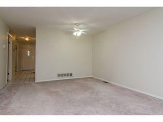 """Photo 6: 60 8889 212 Street in Langley: Walnut Grove Townhouse for sale in """"GARDEN TERRACE"""" : MLS®# R2213745"""