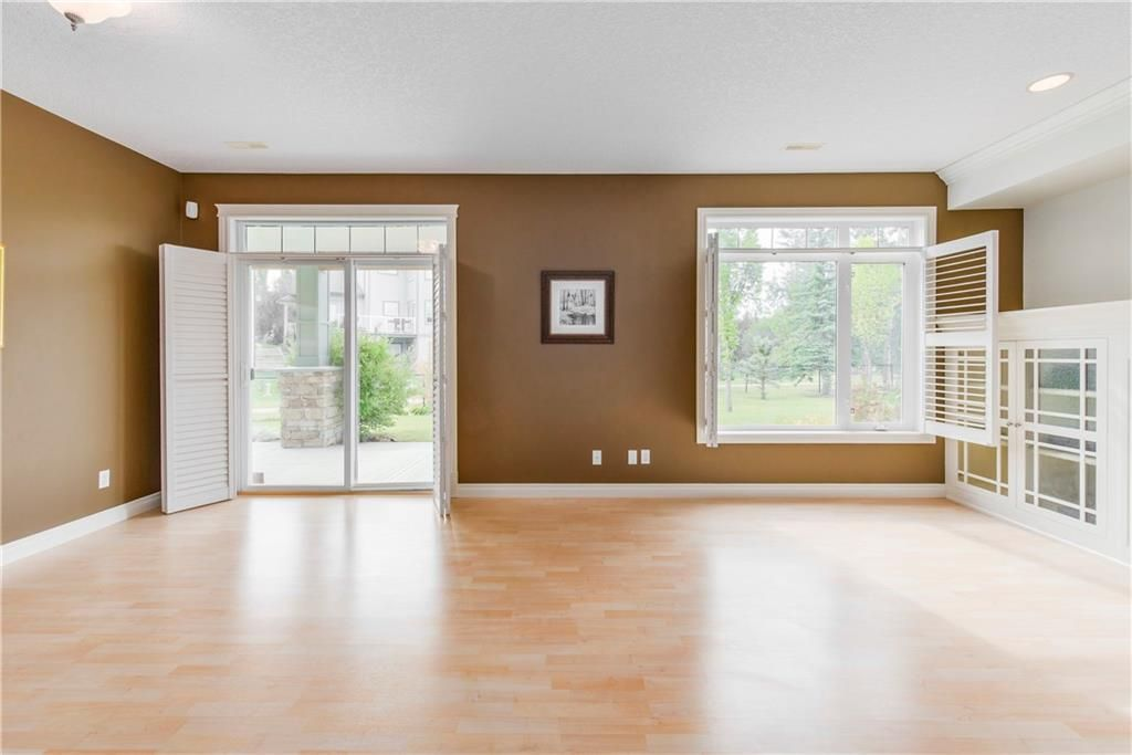 Photo 33: Photos: 73 DISCOVERY WOODS Villa SW in Calgary: Discovery Ridge Semi Detached for sale : MLS®# C4218779