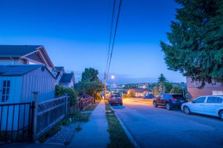 Photo 18: 129B DEBECK Street in New Westminster: Sapperton 1/2 Duplex for sale : MLS®# R2418418