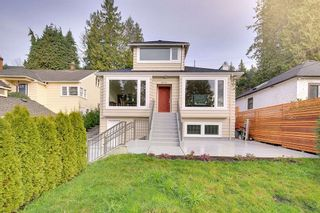 Main Photo: 3215 MARINE Drive in West Vancouver: West Bay House for sale : MLS®# R2533824