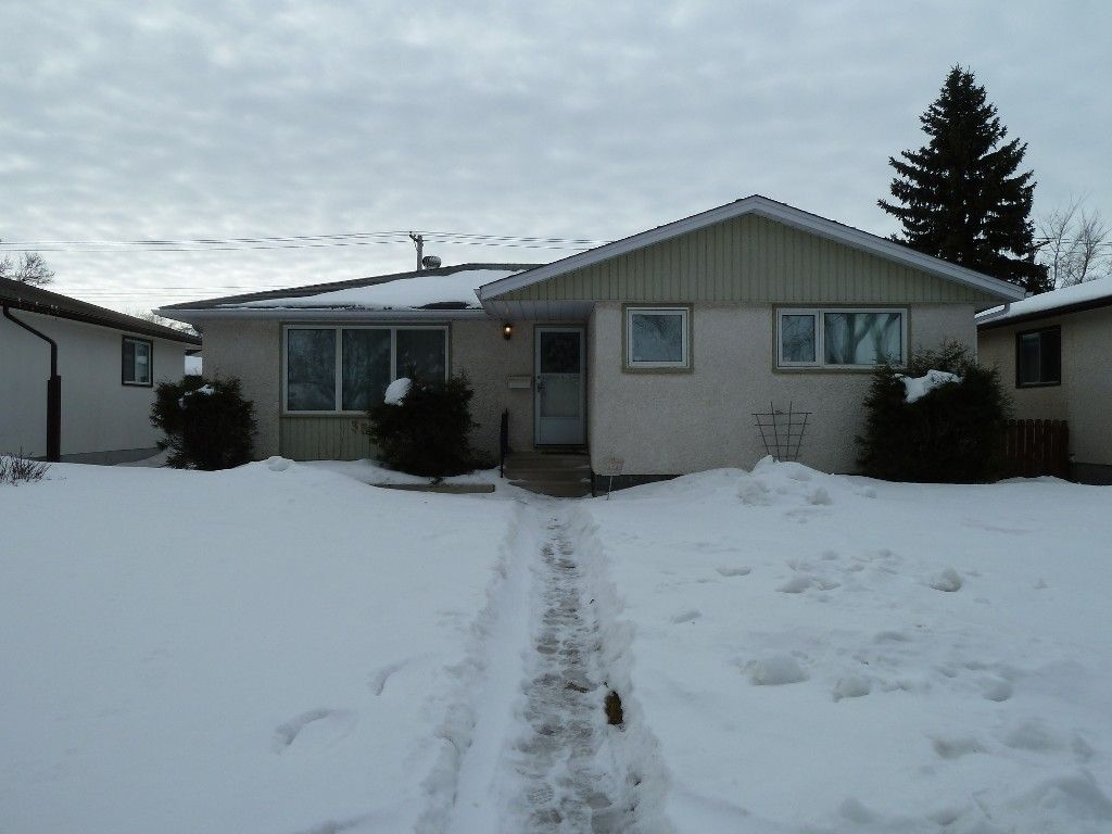Main Photo: 330 Southall Drive in Winnipeg: Single Family Detached for sale : MLS®# 1604227
