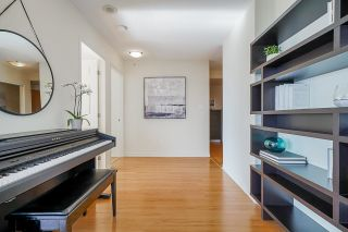 Photo 11: 2207 939 HOMER Street in Vancouver: Yaletown Condo for sale (Vancouver West)  : MLS®# R2617007