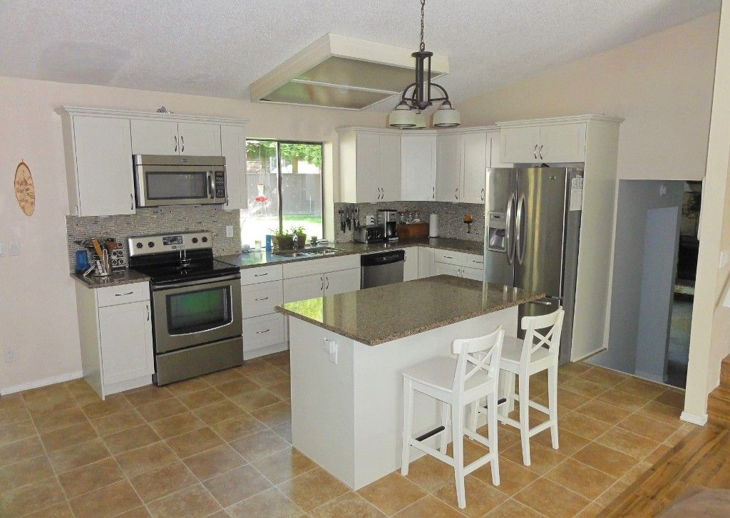 Photo 5: Photos: 14565 91A Avenue in Surrey: Bear Creek Green Timbers House for sale : MLS®# R2056870