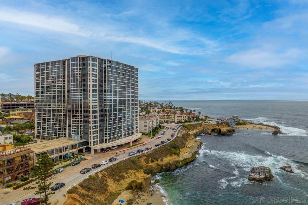 Main Photo: LA JOLLA Condo for sale : 4 bedrooms : 939 Coast Blvd #6BC