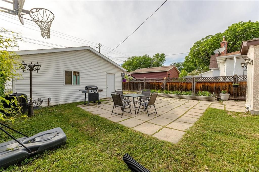 Photo 28: Photos: 805 Madeline Street in Winnipeg: West Transcona Residential for sale (3L)  : MLS®# 202114224