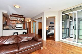 """Photo 4: 106 2515 ONTARIO Street in Vancouver: Mount Pleasant VW Condo for sale in """"ELEMENTS"""" (Vancouver West)  : MLS®# R2385133"""
